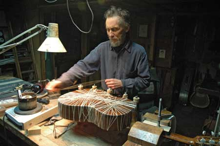 luthier Thomas Norwood
